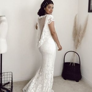 Olvi's stretch lace bridal gown illusion back